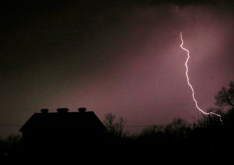 kansas-lightning.jpg